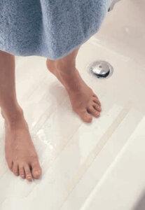 3M 220 Safety-Walk Slip-Resistant Fine Resilient - прозрачна противоплъзгаща лента за баня - 3,05м
